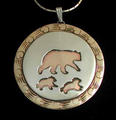 pendant necklace mother bear with cubs